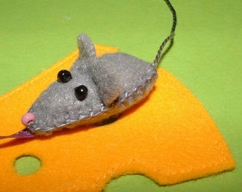 Bookmark Mouse & Cheese-felt beads handmade-bookmark-mouse-cheese-felt