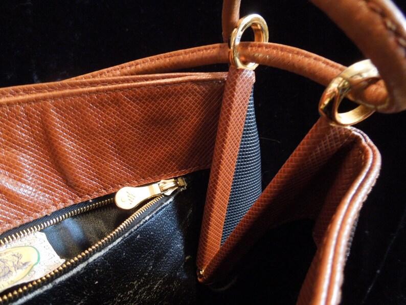9d7379548570 Authentic Vintage Bottega Veneta Shoulder Bag with Double