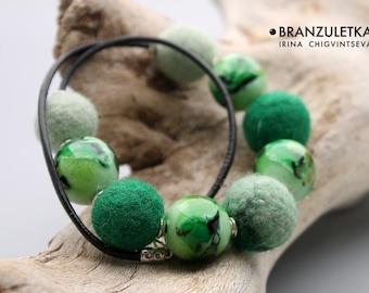Magic Forest Leather Cord Necklace Green Aventurine lampwork flamework art bead Felting