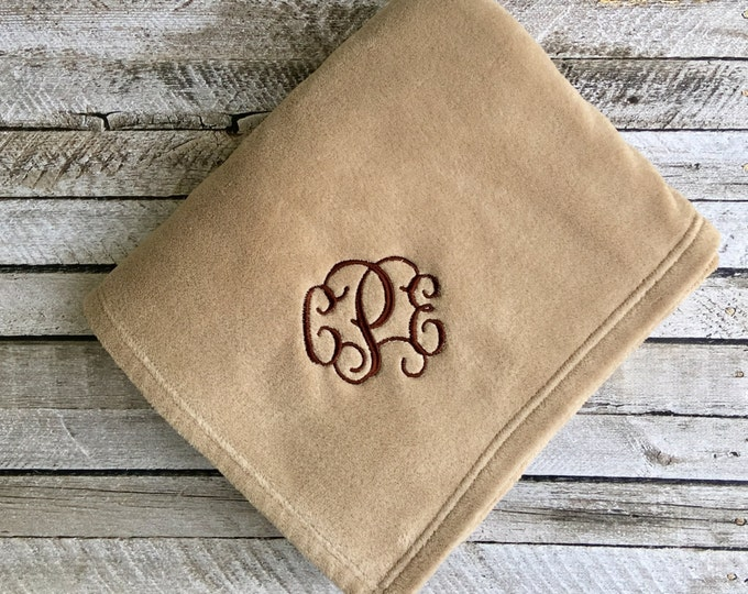 Monogrammed Throw Blanket, Personalized Blanket, Throw Blanket, Monogrammed Gifts, Outdoor wedding, Bridesmaid gifts, Wedding