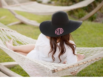 Monogrammed Floppy Hat, Beach Hat, Monogrammed Floppy Hat, Monogrammed Gifts, Bridesmaid gifts, Sun hat