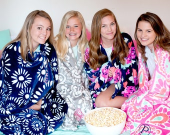 Monogrammed Blanket, Jumbo Sized Throw Blanket, Graduation Gifts, Dorm Gifts, Monogrammed Gifts, Oversized Throw Blanket, Group Discounts