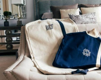Monogrammed Garment Bag, Garment Bag, Personalized Garment Bag, Groomsmen gifts, Bridesmaid Gifts, Garment Bags