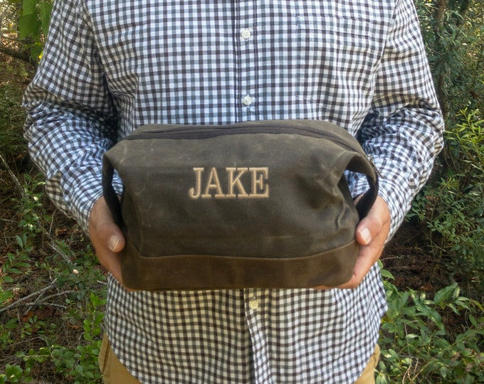 Monogrammed Dopp Kit, Personalized Groomsmen Gift, Fathers Day Gifts, Toiletry Bag, Dopp Kit, Groomsmen Gift, Waxed Canvas Dopp Kit