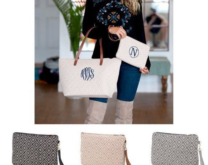 Monogrammed Wristlet, Clutch, Bridesmaid Clutch, Personalized Wristlet, Bridesmaid Gifts