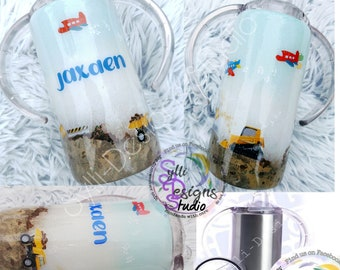 Kids Sippy Tumbler with exrtra lid for later *Free shipping