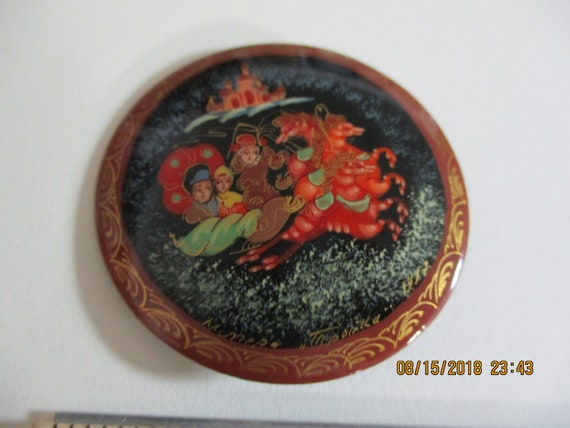Russian Lacquer Brooch, Traditional Russian Art, S