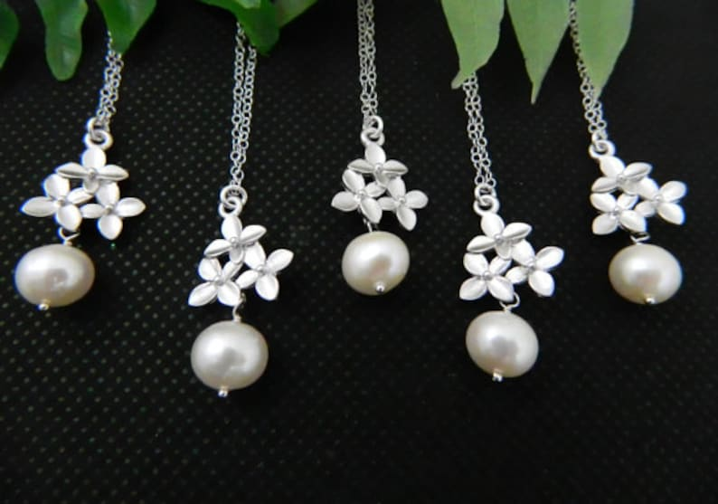 Bridesmaid Jewelry Bridesmaid Gift Set 5 Pearl Necklace Flower Girl Cherry Blossom Necklace Bridesmaid Necklace Wedding Jewelry
