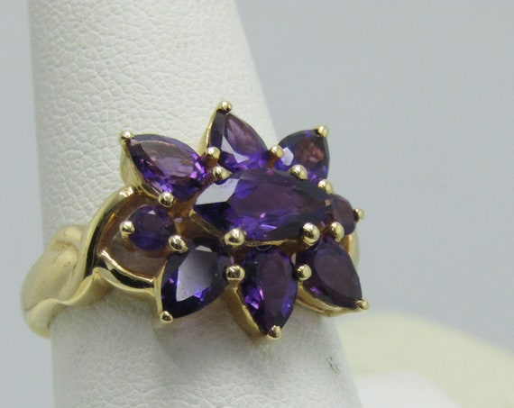 14kt Amethyst Cluster Ring, Signed STS, 6.60 gr., Marquise/Pear/Round, 2 TCW, Sz. 10