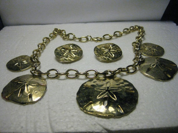 "Vintage 1980's Goldtone Sand Dollar 22"" long Chunky Nautical Link Necklace & Matching Clip Earrings - very nice"