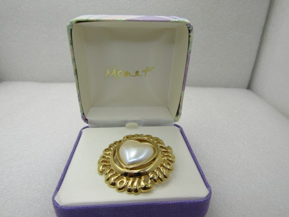 Vintage Monet Faux Pearl Heart Brooch with Frame that Looks like MOM