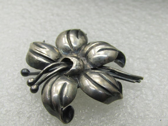 "Vintage Sterling Silver Lily Blossom Brooch, 1"", 5.63 gr., 1960's"