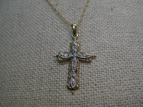 "Vintage 10kt Diamond Filigree Cross Necklace, 18"" chain, 1.56 gr., 5 Diamonds, Two-Tone Gold"