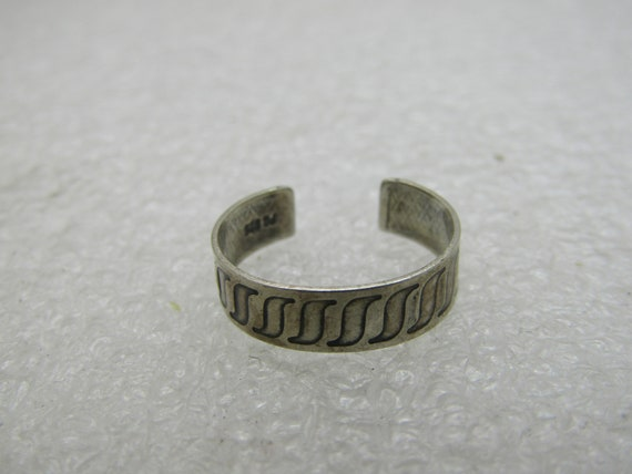Vintage Sterling Silver Toe Ring, Adjusts. Sz 2.5 - 4