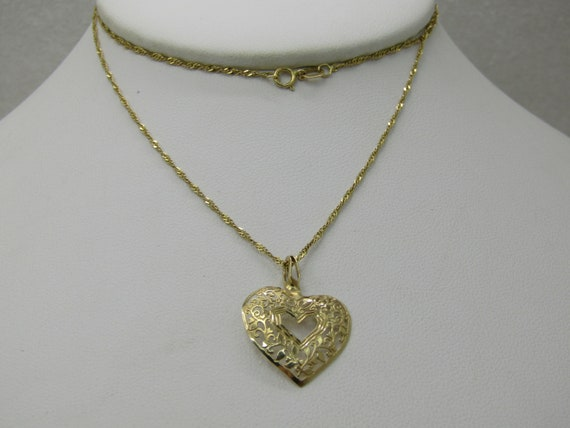 "Vintage 14kt Filigree Heart Necklace, 20"" Singapore Chain, Signed, 1mm"