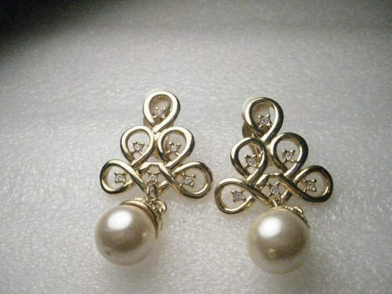 Vintage Goldtone Faux Pearl & Faux Diamond Clip Earrings - 1980's - Fancy
