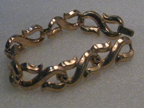 "Vintage Trifari S Link Bracelet, 7.5"", Gold Tone, Ridged, 1960's"