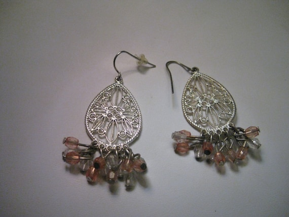 Vintage  Silver Tone Filigree Boho Chandelier Pierced Earrings, clear and peach dangling beads
