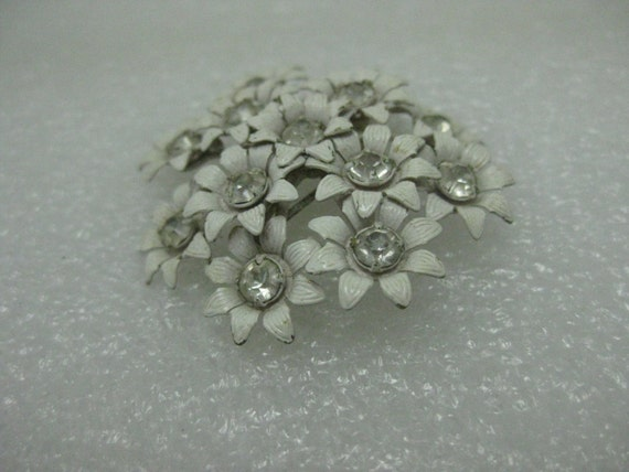 "Vintage White Enameled Floral Cluster Brooch, Rhinestone Centers, Domed, 1.5"""