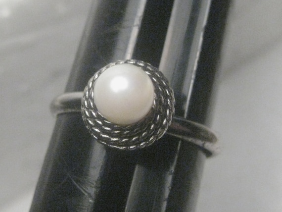 Vintage Sterling Silver 6mm Pearl Ring, adjustable  6-8, Rope Tiered Setting, 2.13 grams