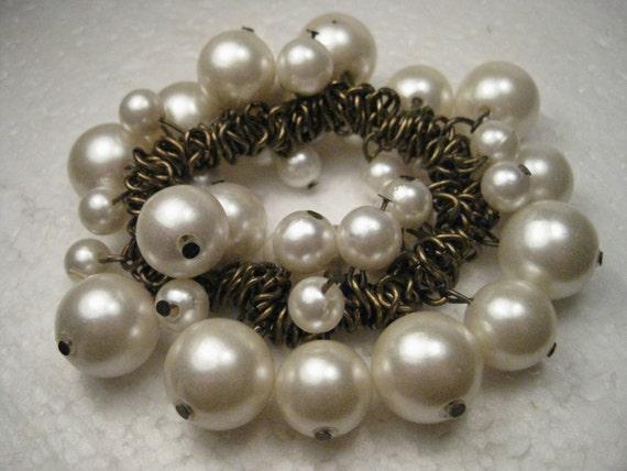 Vintage Dangle Faux Pearl Stretchy Bracelet - Boho, Brassy Gold Tone Sliding Links - Gypsy