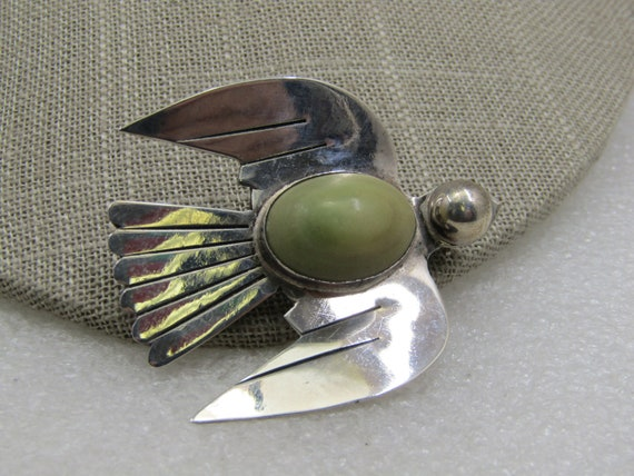 """Vintage Sterling Figural Bird  Brooch/Pendant, Green Onyx, Mexico, 1.7/8"""" by 1-5/"""