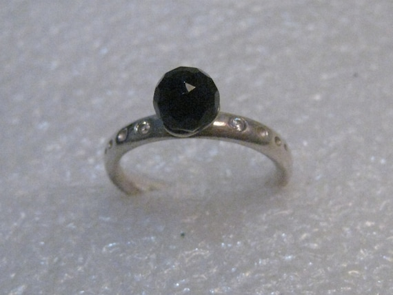 Sterling Silver Black Stone Ring, signed Spinning, SX and .925, size 6, 3.21 gr.
