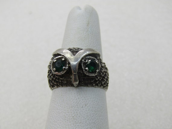 Vintage Sterling Owl Ring, Green Eyes, Sz. 7, One tests as Emerald