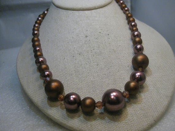 "Vintage Chocolate Graduated Beaded Necklace, 21.5"", 1950's/1960's, Shimmery"