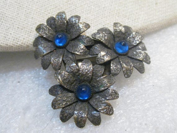 Vintage Floral Dress Clip Blue Stones, Silver Tone, Stamped Finish, 1940's