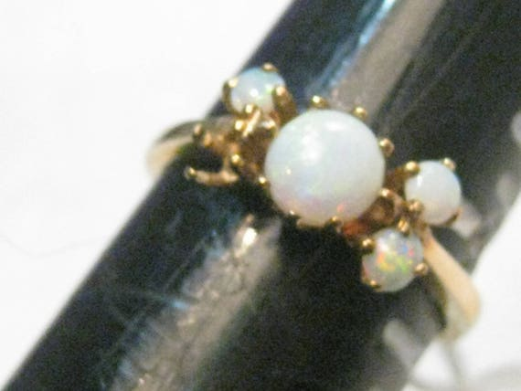 Vintage 10kt Gold Opal Ring, Multi-Stones, one missing, size 6, 2.20 grams