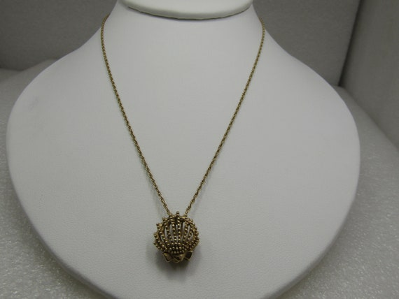 """Vintage 14kt Clamshell & Pearl Necklace, 17"""""""