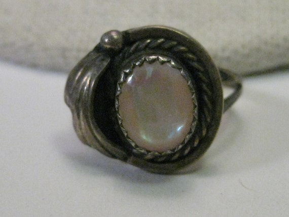 Vintage Southwestern/Native American Sterling Silver Mother of Pearl Ring, sz. 5.5, signed Moon, LB