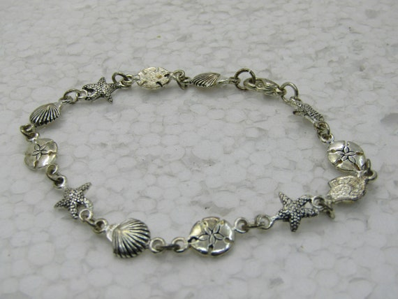 "Vintage Seashell Silver Tone Bracelet, 7.5"" Sand Dollars, Scallop, Star Fish"