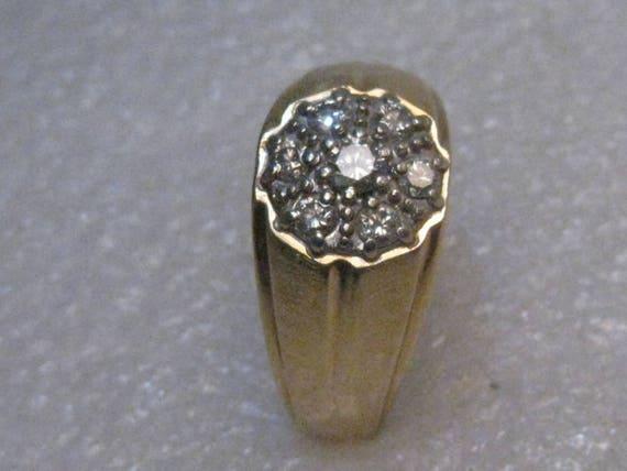 14kt Gold Mens' Diamond Ring, Sz. 11, 8.94 gr.  1960's, 7 diamonds