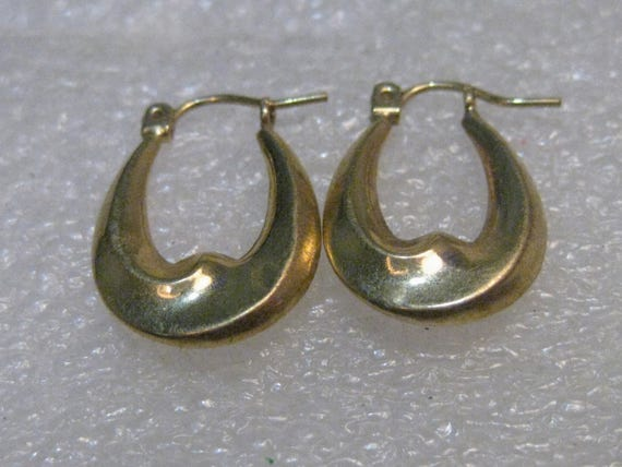 "10kt Gold Pierced Hoop Earrings, 3/4"" Long, 1.02 grams 1980's, signed"