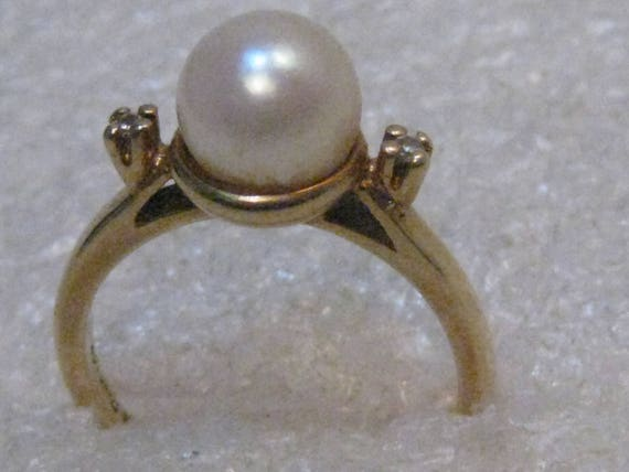 Vintage 14kt Gold 8mm Pearl Ring, Diamond Accents, size 7 .75, 4.27 Grams signed IA PAIS