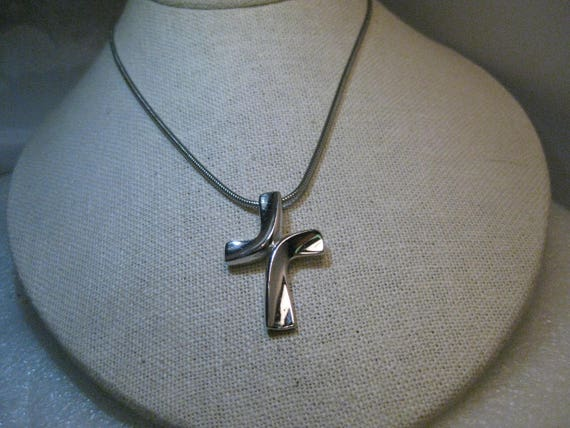 "Vintage Trifari Modern Cross Choker/Necklace, 1960's-1970's, 15.5"" Serpentine 2mm Chain"