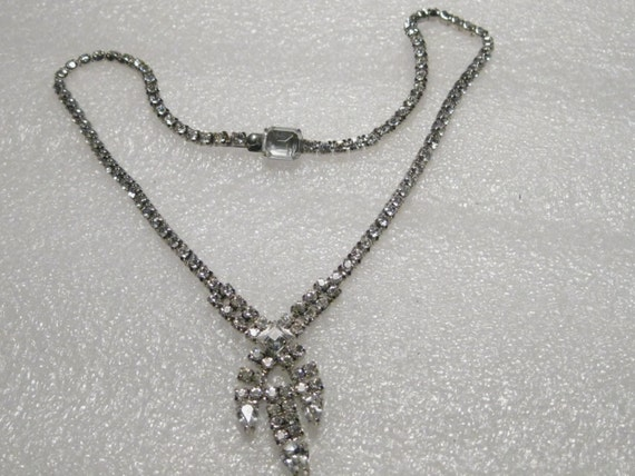 "Vintage Art Deco All Rhinestone Cross Over, V Drop, 15"" Single/Double Strand Necklace - AWESOME - CLEAR"