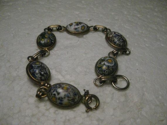"Vintage Venetian Glass Bracelet - Scarab Style,  Murano Glass, 8.75"" Gold Tone, 1960-1970's"