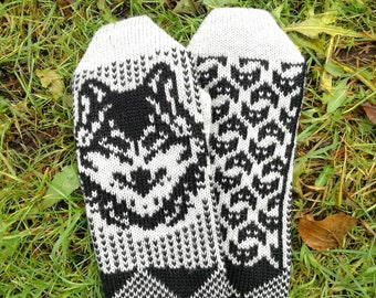Fair isle mittens, wolf mittens, knit animal gloves, winter accessory, knit mittens for women