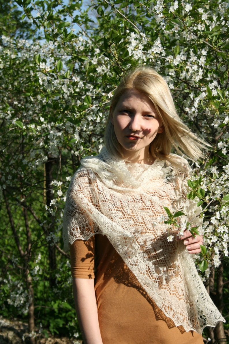 hand knit lace knit wedding shawl 100/% cashmere luxury lace shawl