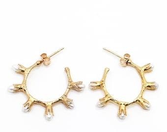 THE BAMBOO Pearl Earrings