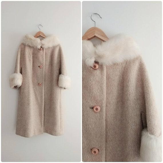 Medium Vintage 1960s Mohair Wool Faux Fur Swing Co