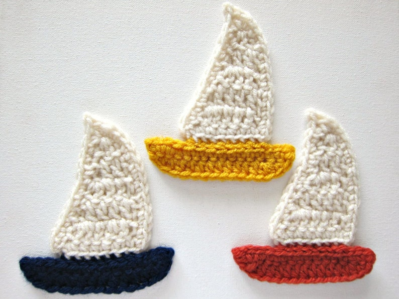 CLEARANCE 30/% off 1pc 5 BLUE SAILBOAT Crochet Applique