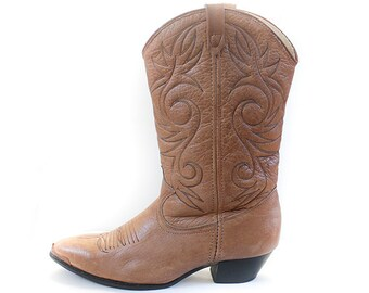 06ca7f94c83be Vintage Womens Cowboy Boots Leather AMAZING vintage circa 1980