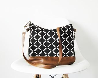 Geometric print crossbody leather bag 2b414874e6b02