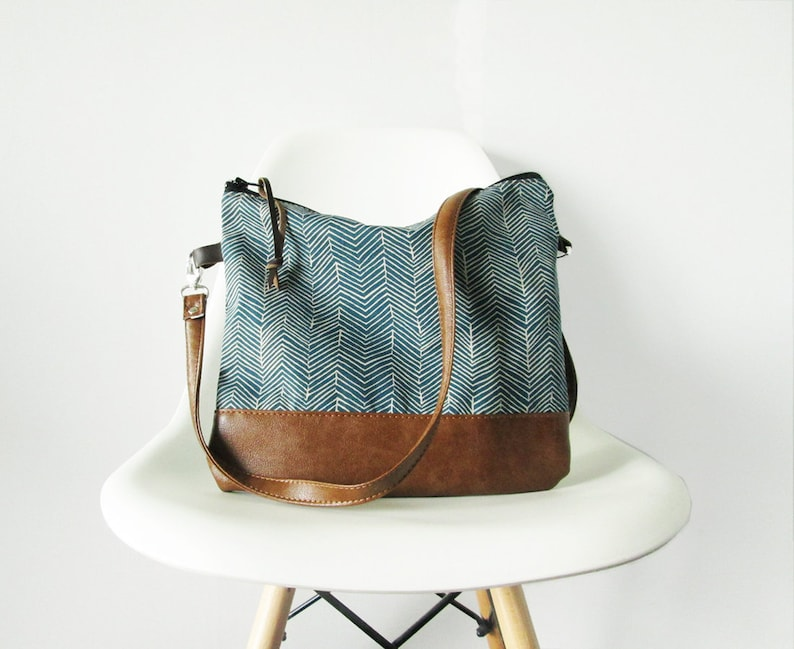 Crossbody leather bag Crossbody purse Geometric print Navy image 0