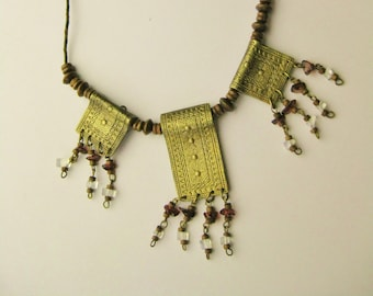 Brass Tribal Necklace / Vtg / Etched Brass, Wood Beads and stone chips