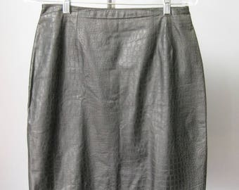 Leather Mini / Vtg 80s / Bagatelle Croc Embossed Black Leather Mini Skirt